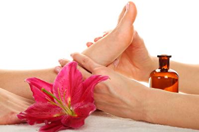 Wellness Fußmassage mit exklusiven Heubad